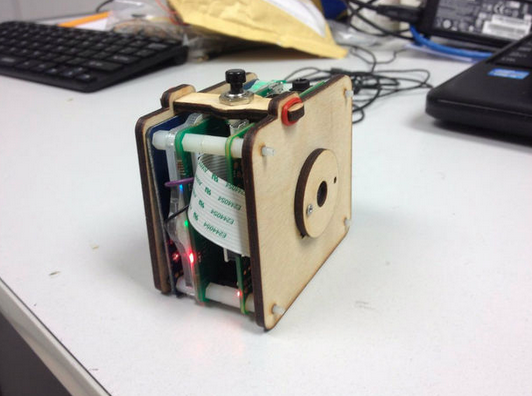 Build Yourself A Raspberry Pi Compact Camera
